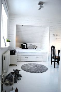 Built in bed - drawer underneath - paneling
