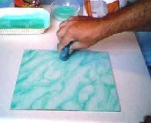 A Técnica da Marmorização, embora aparentemente seja bastante fácil, requer muita habilidade e paciência, uma vez que, por vezes, há a necessidade de refazer-se parte da superfície ou da peça, por não obter-se os resultados esperados de in...