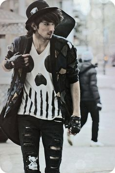 I love this street punk style !