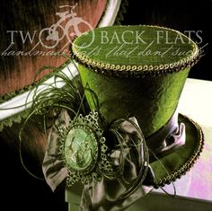 The perfect steampunk chapeau! Steampunk Hut, Steampunk Top Hat, Steampunk Costume, Steampunk Fashion, Asian Steampunk, Steampunk Clothing, Victorian Fashion, Gothic Fashion, Fashion Fashion