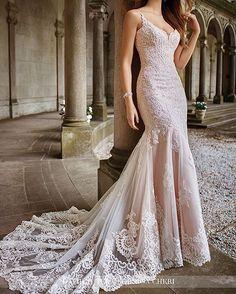 Brand new #moncheri gowns now in store! Call to make an appointment on 01642 222357 ��#weddingdress #Dress #bride #bridetobe #davidtutera #wedding #weddinggown http://gelinshop.com/ipost/1518891612713198079/?code=BUUL9_UFyH_