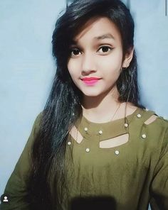 Beautiful Girl Makeup, Beautiful Blonde Girl, Beautiful Girl Photo, Beautiful Girl Indian, Simple Girl Image, Beautiful Girl Facebook, Girl Hand Pic, Massage Girl, Dehati Girl Photo