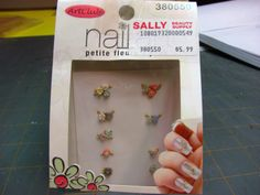 Dollhouse Miniature Furniture - Tutorials | 1 inch minis: How to make a battery operated table lamp nail flowers to decorate lamp base