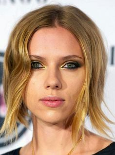 scarlett johansson Smokey Eyes in Gold und Braun
