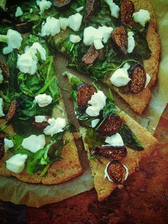 Goat Cheese, Fig and Arugula Pizza with Cauliflower Crust