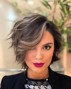 25 new short hairstyles for girls Trend bob hairstyles 2019 - Latest Modern Short Hairstyles 2019 – Pixie & Bob Short Haircuts - Bobs For Thin Hair, Wavy Bobs, Fine Hair, Wavy Hair, Bob Short, Modern Short Hairstyles, Korean Hairstyles, Modern Haircuts, Short Highlighted Hairstyles