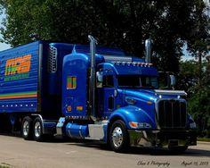 Semitrckn — Peterbilt custom 579 with matchin reefer Peterbilt 386, Peterbilt Trucks, Lifted Ford Trucks, Jeep Truck, Heavy Construction Equipment, Heavy Equipment, Big Rig Trucks, Semi Trucks, Trailers