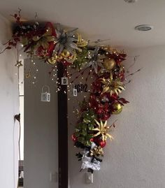 Baby Decor Crafts Christmas Decorations Ideas For 2019 Gold Christmas Decorations, Christmas Arrangements, Christmas Swags, Christmas Room, Noel Christmas, Christmas Tree Toppers, Xmas Tree, Tree Decorations, All Things Christmas