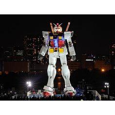 Instagram【tokyoyakei】さんの写真をピンしています。 《機動戦士ガンダム in お台場潮風公園  ガンダム立像は、現在はダイバーシティーお台場にありますが、潮風公園に立ったときは大人気でした。 やっぱりこの時の方がバックの風景が良い。  NIGHT Windows~東京の夜景 http://tokyoyakei.jp/  #お台場 #ガンダム #機動戦士ガンダム #機動戦士ガンダム立像 #潮風公園  #東京夜景 #夜景 #夜景写真  #japan_night_view  #japan  #nightview #team_jp_  #ptk_japan  #lovers_nippon  #igersjp  #igers  #ig_japan  #tokyocameraclub  #team_jp  #japan_daytime_view  #photo_jpn》