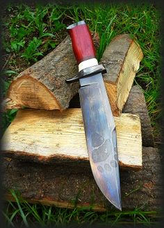 Quintus Black Bear Big Bowie Knife Blade:230mm carbon steel 59HRC Total lenght:355mm Handle: Bone, olive wood, padouk