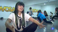 Ayer salimos en los informativos de TVE con el reportaje que nos hicieron sobre las clases de Hip Hop para niños que impartimos en la escuela.