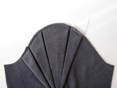Sleeve detail (unattached)