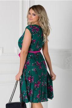 Rochie Isabel verde cu floricele roz si cordon in talie Summer Dresses, Floral, Casual, Fashion, Green, Moda, Sundresses, La Mode, Florals