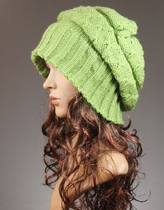 Slouch Hat Beanie in Green - Colonial Classic
