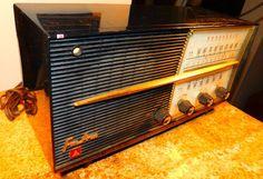 20 Panasonic AM/FM seven tube radio model by VINTAGERADIOSONLINE