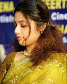 Indian Actress Gallery, Indian Actress Hot Pics, South Indian Actress Hot, Indian Actresses, Beautiful Girl Indian, Most Beautiful Indian Actress, Beautiful Girl Image, Beautiful Saree, Beauty Full Girl