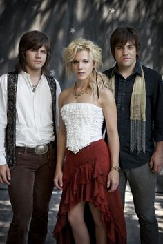 Country music trio and siblings The Band Perry have ties to the Mobile Bay area.
