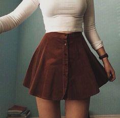 Que bella esta faldaa