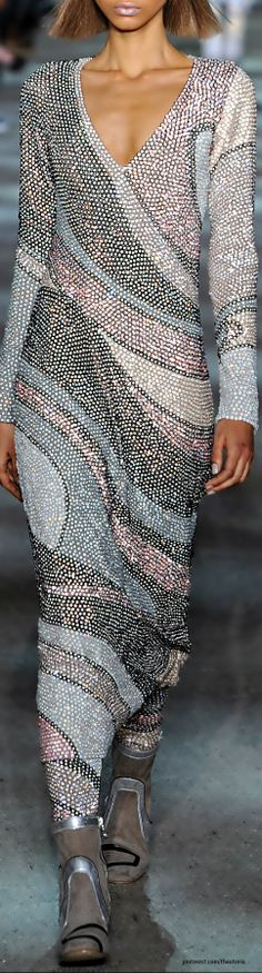 52 New Ideas fashion inspiration couture christmas gifts Couture Fashion, Runway Fashion, High Fashion, Fashion Show, Womens Fashion, Fashion Design, Fashion Trends, Marc Jacobs, Vogue