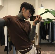 Korean Boys Hot, Korean Boys Ulzzang, Hot Asian Men, Ulzzang Boy, Korean Men, Cute Asian Guys, Asian Boys, Cute Guys, Hot Guys Tattoos