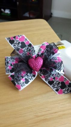 Medium Valentine's Day Bow