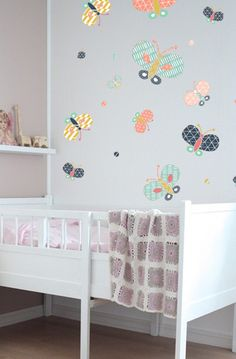 These whimsical beautiful butterfly wall decals from @thelovelywallco add such a fun touch to a big girl's room!