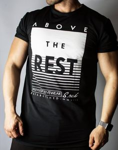 Above the Rest - Black/White Our new version of our Above the Rest tee is perfect for you gym sessions or daily lifestyle, its mixed with a special blend of fabrics that keep you warm and give you the flexibility to feel comfortable and good. Shirt Print Design, Tee Shirt Designs, Tee Design, Hang Ten, Cool Shirts, Tee Shirts, Sleeveless Hoodie, Men's Fashion, Street Fashion