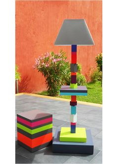 Pied-Jeu lamp set up with Pied-Monté side table. See all sizes and colors on our website. Sandrine Reverseau - Les Pieds Sur La Table