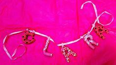 babyknopfauge Clara  Namensketten  https://babyknopfauge.blogspot.de/2016/10/namensketten.html  #Babyparty #Clara #Dalia #DIY #Geschenk #Kindergeschenke #personalisiert #Leopold #nähen #Nähideen #Namensbänder #Namenskette #Stoff #Buchstaben #Theodor #Türbuchstaben