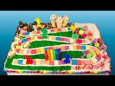 How to Make a Candyland Cake from Cookies Cupcakes and Cardio. Learn how to make Candyland gameboard cake in this video tutorial. Chocolate Giant Cupcake, White Chocolate Frosting, Cookies Cupcakes And Cardio, Cupcake Cookies, Frozen Castle Cake, Frozen Cake, Frozen Party, Iphone Cake, Star Wars Cake
