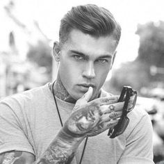 Stephen James is so much sexy for one man Cool Hairstyles For Men, Haircuts For Men, Straight Hairstyles, Easy Hairstyles, Layered Hairstyles, Bridal Hairstyles, James Stephen, Medium Hair Styles, Short Hair Styles