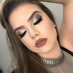 Holiday makeup looks; promo makeup looks; wedding makeup looks; makeup looks for brown eyes; glam makeup looks. Eye Makeup Glitter, Eye Makeup Tips, Smokey Eye Makeup, Glam Makeup, Bridal Makeup, Makeup Eyeshadow, Wedding Makeup, Hair Makeup, Makeup Brushes