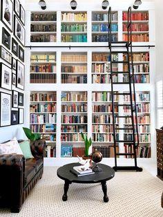White Bookshelves, Built In Shelves, Built Ins, Home Library Design, House Design, Library Ideas, Home Interior Design, Living Room Decor, Living Spaces