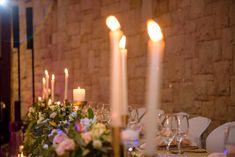 Gold wedding decor ideas for a long table Gold Wedding Decorations, Table Decorations, Long Table Wedding, Photo Booth Backdrop, Flower Wall, Backdrops, Balloons, Decor Ideas, Candles