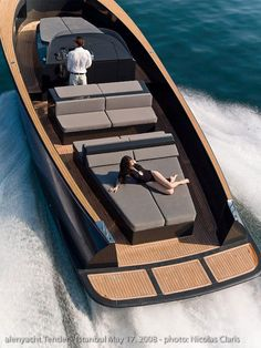 The inspiration for the platform at the transom, for the shape of the hull topsides as well as the cleat positions come from this superyacht tender.