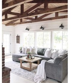 What's your thought on this ceiling? I love it! #homedecorstyle #livingroominspo #panelceiling #decordesign