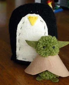 pom pom yoda i think i'm gonna buy some green yarn...
