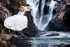 waterfall-trash-the-dress-belize