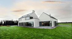 IT'S ALWAYS good for any architect to win an award, but the Best Emerging Practice Award recently given to Co Limerick-based Liston Architecture is particularly sweet. Farmhouse Architecture, Modern Farmhouse Exterior, Architecture Design, Vernacular Architecture, Style At Home, House Designs Ireland, Ireland Homes, Cottages Ireland, Bungalow Renovation