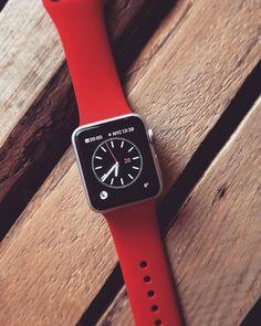 Czerwony pasek do Apple Watcha Sport. Do kolekcji.