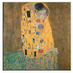 Gustav Klimts Gemälde »Der Kuss« als Leinwanddruck für Ihre Wand.  Artikeldetails:  Dekoratives Leinwandbild, In zwei Größen erhältlich,  Material/Qualität:  100% Baumwolle,  Wissenswertes:  Hochwertiger Leinwanddruck auf Canvas-Baumwolle, wird fertig bespannt geliefert,  ...