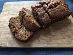 Bananbrød med muscovadosukker, valnødder og kanel Banana Bread, Muffin, Cookie, Breakfast, Desserts, Blog, Morning Coffee, Tailgate Desserts, Biscuit