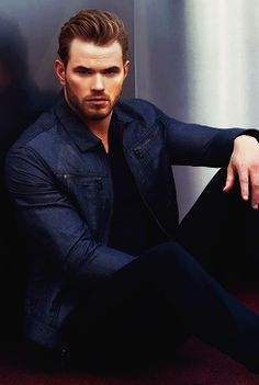 FOLLOW - BOYS ADDICTED - KELLAN LUTZ