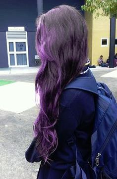 dark purple hair, I wish I had lighter skin so I could do this!