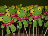 El sapo Pepe Yoshi, Desserts, Food, Toad, Decorated Cookies, Tailgate Desserts, Dessert, Postres, Deserts