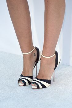 Miley Cyrus Photos - Singer Miley Cyrus (shoe detail) arrives at the 2012 Billboard Music Awards held at the MGM Grand Garden Arena on May 20, 2012 in Las Vegas, Nevada. - 2012 Billboard Music Awards - Arrivals