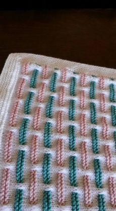 New Crochet blue and white baby boy blanket - OKJ Lian Baby Boy Knitting Patterns, Afghan Crochet Patterns, Baby Patterns, Stitch Patterns, Slip Stitch Knitting, Knitting Stitches, Knitting Designs, Knitted Baby Blankets, Baby Blanket Crochet