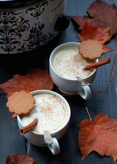 Who needs a fancy coffee shop when you have a slow cooker? For a new take on the usual pumpkin spice latte, try this slow cooker recipe for Slow Cooker Gingerbread Pumpkin Lattes! This is the ideal beverage for a cool fall morning. Coffee Recipes, Pumpkin Recipes, Fall Recipes, Pumpkin Foods, Drink Recipes, Yummy Recipes, Dessert Recipes, Yummy Drinks, Yummy Food