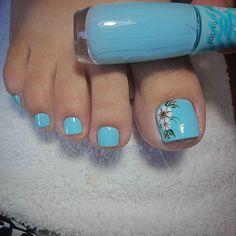 Pedicure Nail Designs, Flower Nail Designs, Manicure E Pedicure, Toe Nail Designs, Pretty Toe Nails, Cute Toe Nails, Gorgeous Nails, Beach Toe Nails, Toe Nail Color