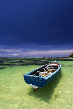Mauritius - Ile Aux Cerfs (by Silviu Opris ) Beautiful Islands, Beautiful World, Beautiful Places, Row Row Your Boat, Mauritius Island, Blue Boat, Float Your Boat, Am Meer, Small Boats